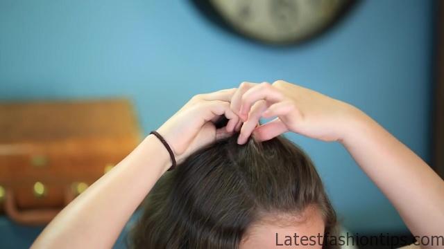 DIY Half-Up Bun _ Easy Hairstyles_HD720 07