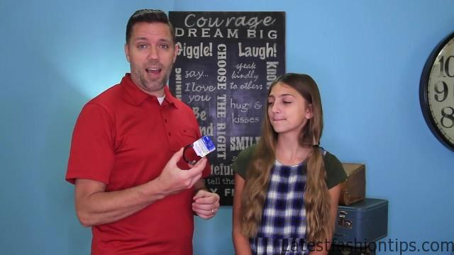 Dad Teaches How to Create Pippi Longstocking Braids_HD720 05