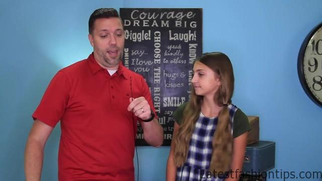 Dad Teaches How to Create Pippi Longstocking Braids_HD720 06
