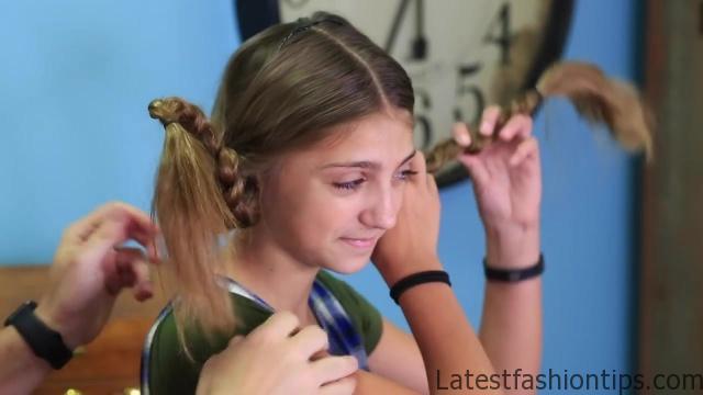 Dad Teaches How to Create Pippi Longstocking Braids_HD720 14