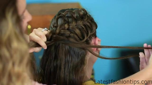 Diagonal French Loop Braid _ Braided Hairstyles_HD720 11