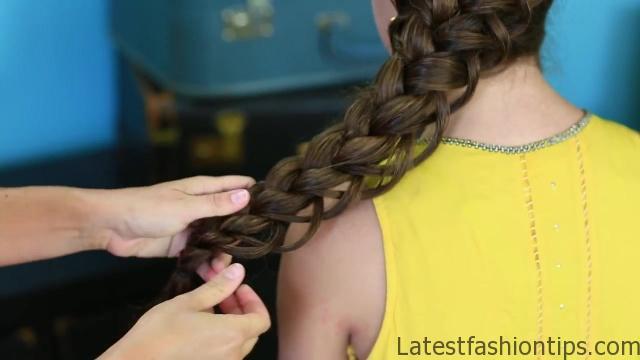 Diagonal French Loop Braid _ Braided Hairstyles_HD720 14
