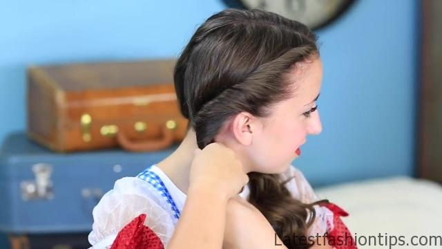 Dorothy Braids _ The Wizard of OZ _ Halloween Hairstyles_HD720 08