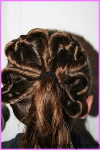 Accent Braid into Messy Bun Hairstyles_4.jpg