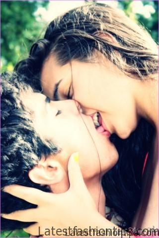 French Kiss Of Boy And Girl_4.jpg