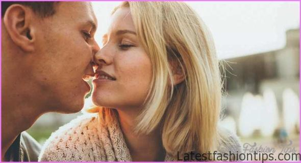 How To Take Kiss On Lips_7.jpg