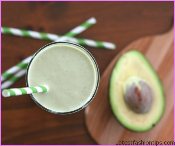 Avocado Raspberry Ketogenic Cocoa Dream Smoothie_11.jpg