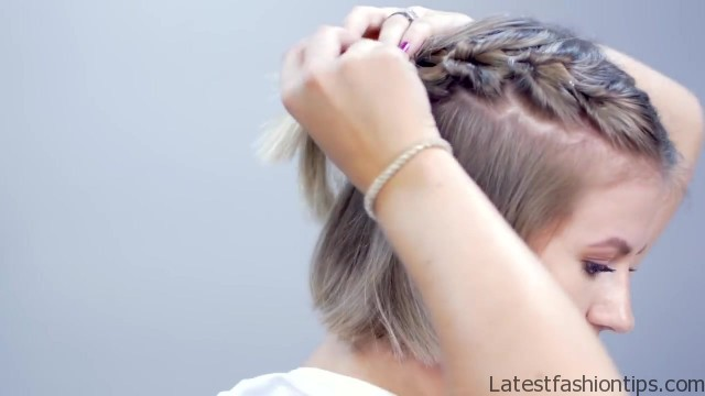 hairstyle of the day topsy tail crown hairstyle for short hair 15