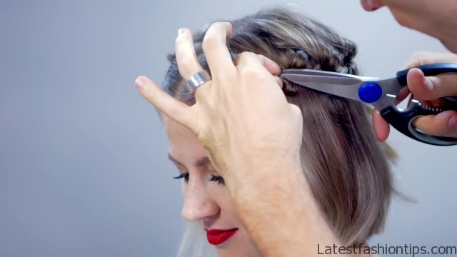 hairstyle of the day topsy tail crown hairstyle for short hair 19