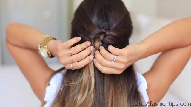 French Knot Half Do Hairstyle Latestfashiontips Com