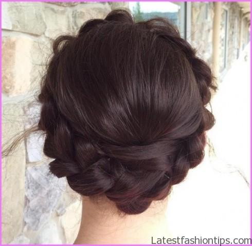 How To Milkmaid Braid Inspired Hairstyles_4.jpg