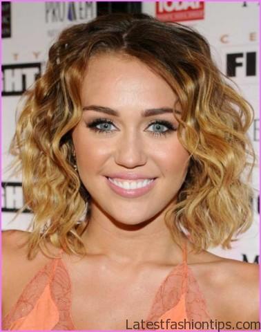 Miley Cyrus Inspired Loose Waves Hairstyle_11.jpg