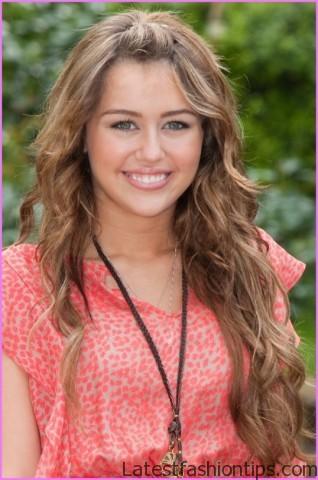 Miley Cyrus Inspired Loose Waves Hairstyle_9.jpg