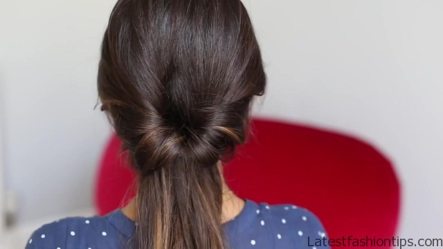 soft romantic ponytail hairstyle 03