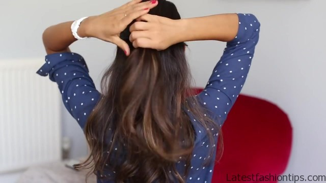 soft romantic ponytail hairstyle 08