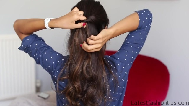soft romantic ponytail hairstyle 13