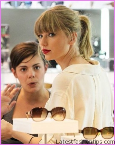 taylor swifts amas figure eight braided ponytail hairstyle 11 Taylor Swifts AMAs Figure Eight Braided Ponytail Hairstyle