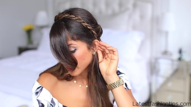 twisted halfup do hairstyle 24