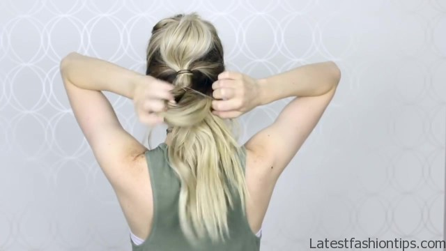 how to easy bubble ponytail medium long hair 16