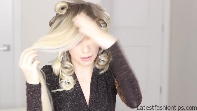 how to romantic hairstyle old hollywood inspired curls 33