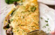Cheesy-Mushroom-Spinach-Omelet-4.jpg