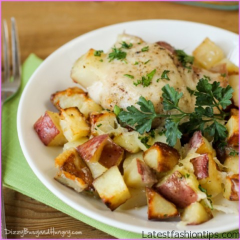 Loaded Baked Potato with Chicken (White Plate)_1.jpg