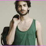 20 Small Style Mistakes That Lead To BIG Problems Mens Fashion Faux Pas_10.jpg