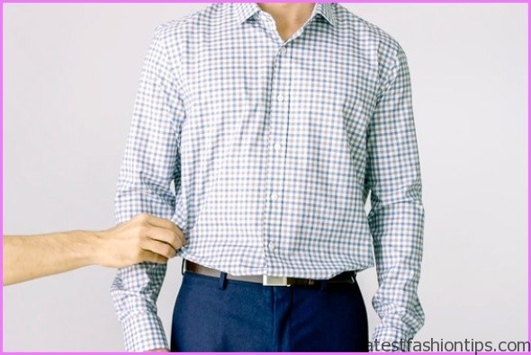 4 Secrets To Keeping Your Shirt Tucked In ALL DAY How To Tuck Your Shirts So They STAY_1.jpg
