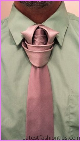 4 Tie Knots Every Man MUST Know Best Tie Knots For EVERY Neck And Collar Type Post Tutorial_9.jpg