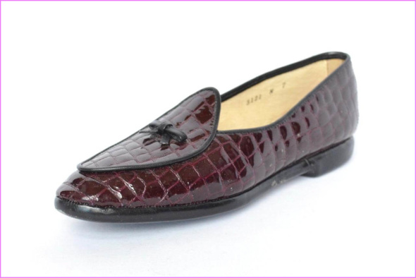 Ultimate Guide To Formal Loafer Slip-On Dress Shoes How To Wear Tassel Penny Belgian Loafers_6.jpg