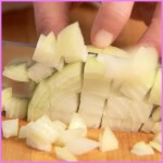 HOW TO CHOP AN ONION_9.jpg