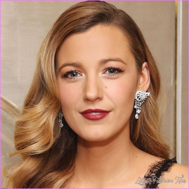 Blake Lively celebrity hair changes. Really?