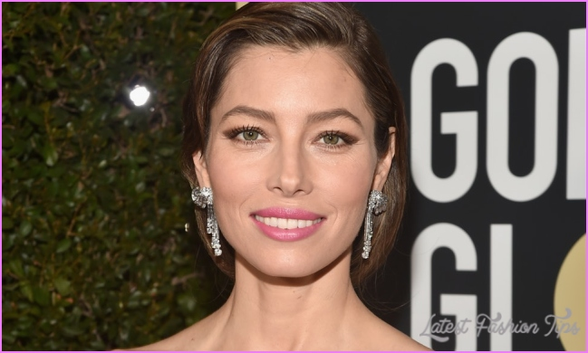 Jessica Biel's Gray Roots At The 2018 Golden Globes Were