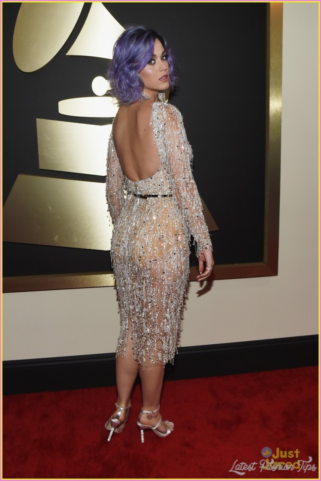 Katy Perry Works the Carpet at Grammys 2018