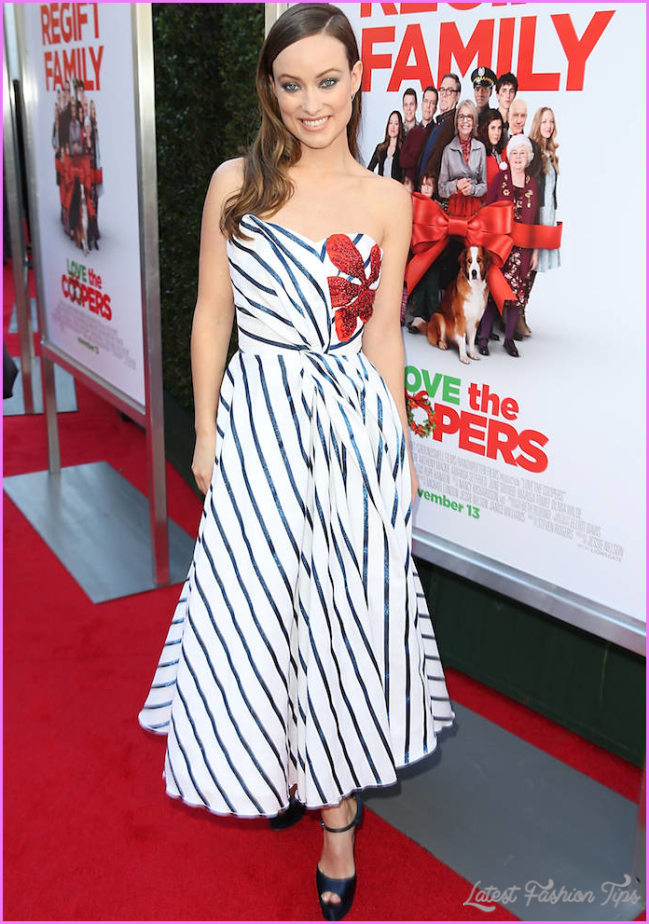 Olivia Wilde Channeled Christmas For Her 'Love The Coopers' Premiere
