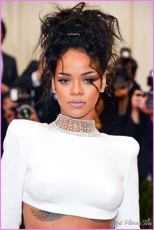 How To Get Rihanna's Met Gala Makeup - Rihanna Makeup Looks