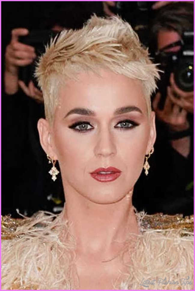 Katy Perry's Hairstyles & Hair Colors | Steal Her Style