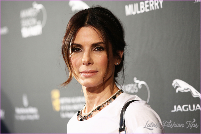 Sandra Bullock swears by controversial 'foreskin facials' | Marie ...