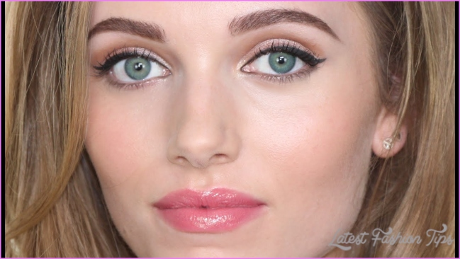 Scarlett Johansson Makeup Tutorial - YouTube