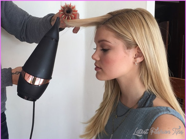 Blow Dry Hair Faster With This Time Saving Technique_11.jpg